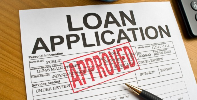 What-are-the-advantages-of-getting-a-business-loans-in-Canada-vs-a-loan-from-a-private-lender-690x350